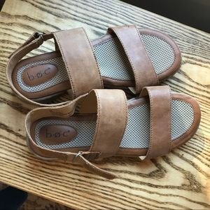 b.o.c. Sandals Size 9 Leather Upper